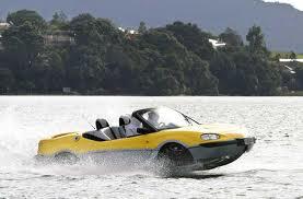 Acheter une voiture qui est également un bateau